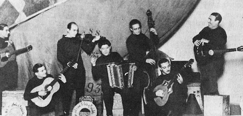 Louis Vola et Gars、1932年。Djangoは右から二人目。