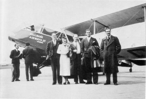 1934年、ロンドンへの飛行前の写真。Jean Sablon、Peddy Nyls、Alec Siniavine、André Ekyan、Django Reinhardt。